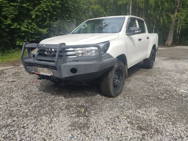 Toyota Hilux Pick Up, 2016 год, 1 590 000 руб.