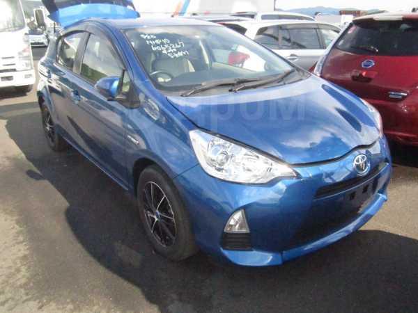 Toyota Aqua, 2012 год, 645 000 руб.