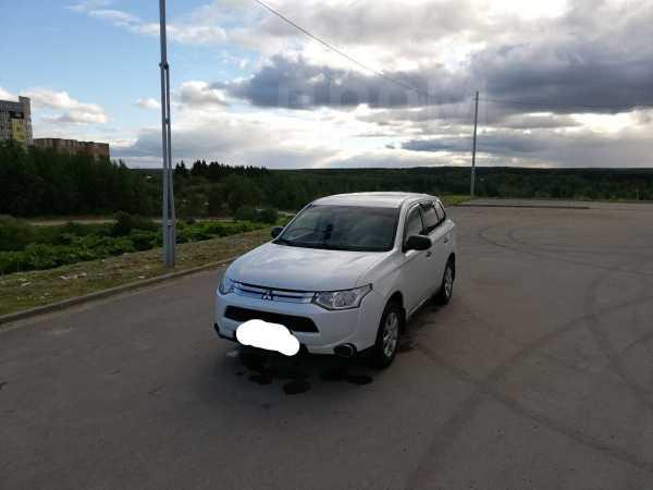 Mitsubishi Outlander, 2014 год, 890 000 руб.