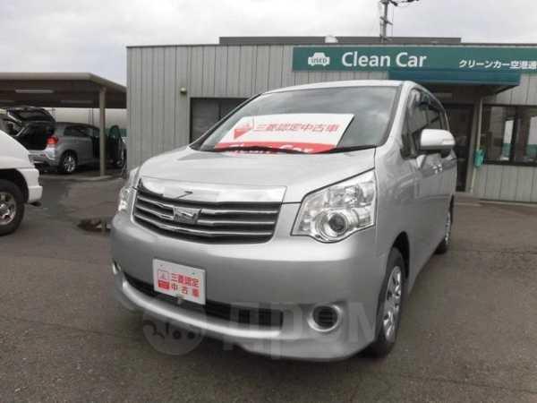 Toyota Noah, 2013 год, 967 550 руб.