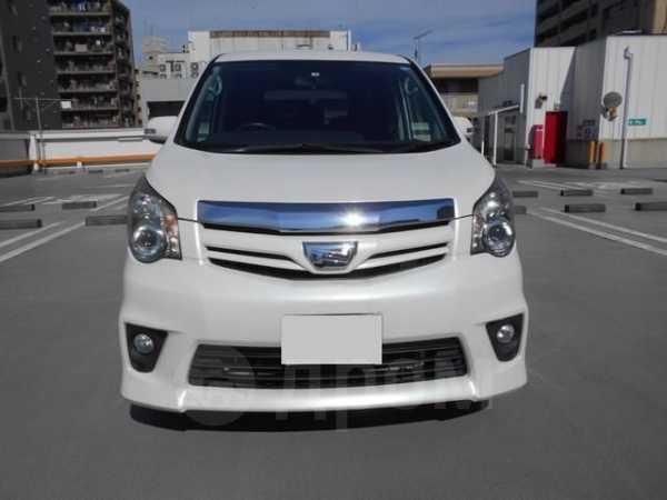 Toyota Noah, 2013 год, 1 085 500 руб.