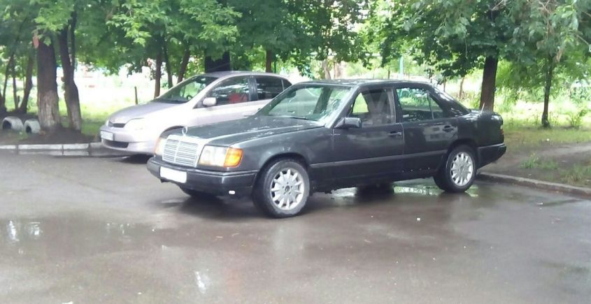 Mercedes-Benz E-Class, 1990 год, 120 000 руб.