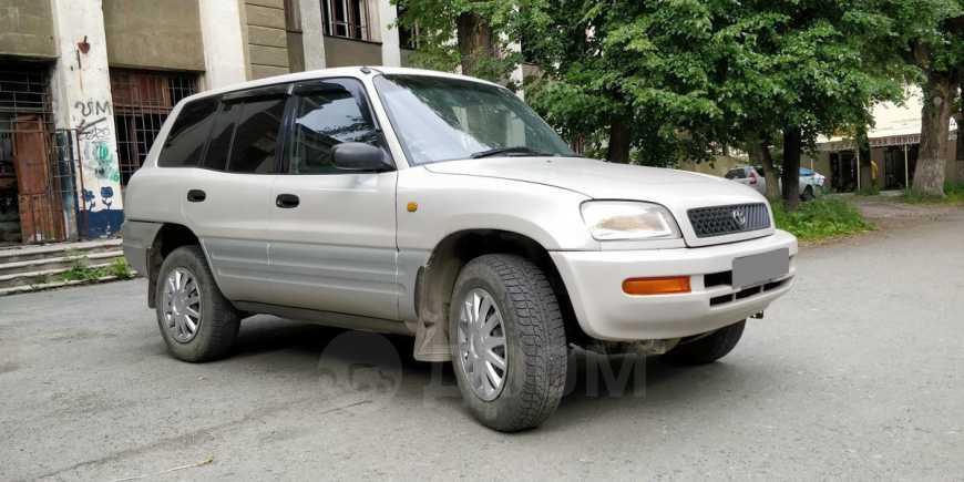 Toyota RAV4, 1994 год, 245 000 руб.