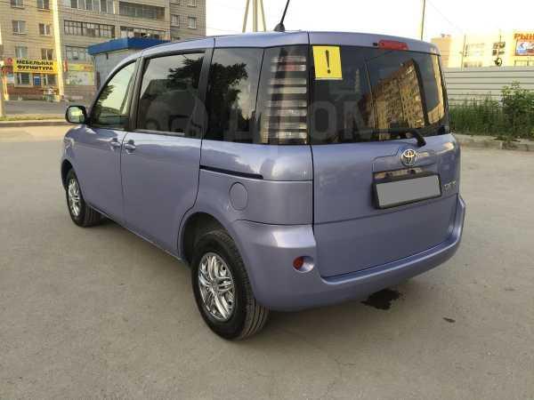 Toyota Sienta, 2004 год, 320 000 руб.