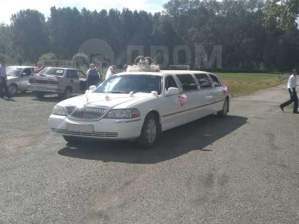 Lincoln Town Car, 2003 год, 250 000 руб.