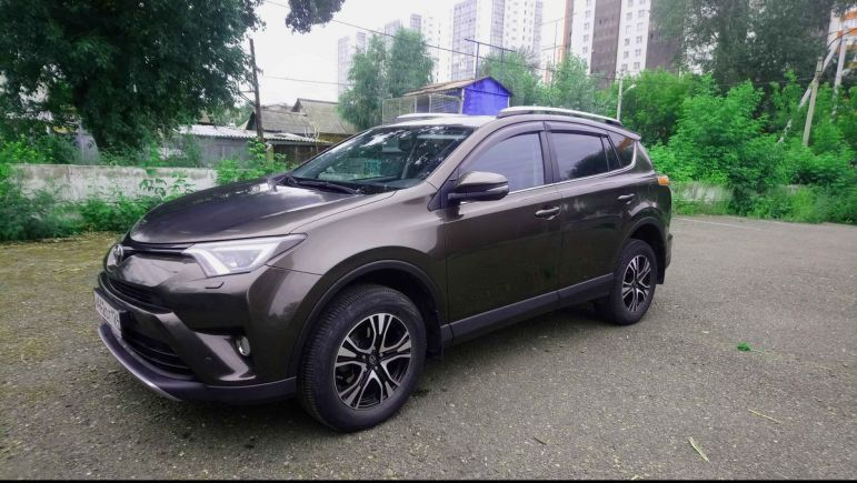 Toyota RAV4, 2018 год, 1 755 000 руб.
