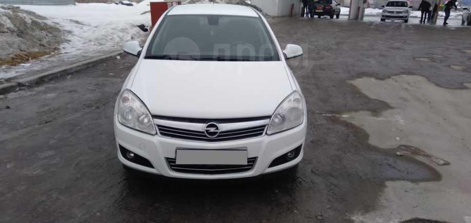 Opel Astra Family, 2011 год, 340 000 руб.