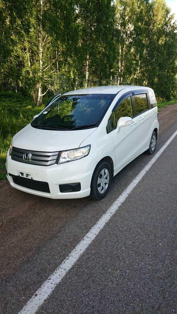 Honda Freed Spike, 2013 год, 770 000 руб.