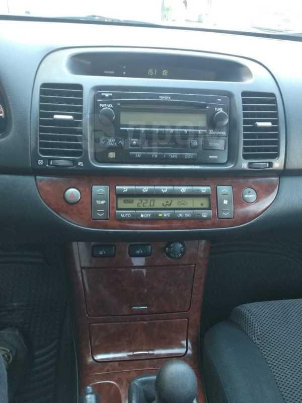 Toyota Camry, 2005 год, 395 000 руб.