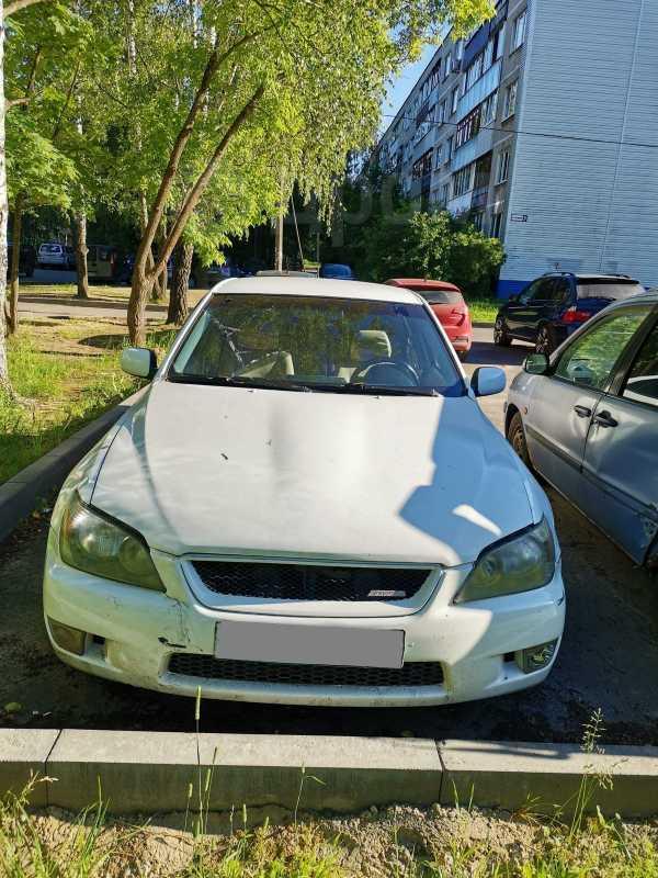 Lexus IS200, 2000 год, 260 000 руб.