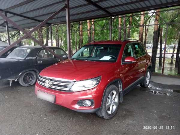 Volkswagen Tiguan, 2013 год, 827 000 руб.