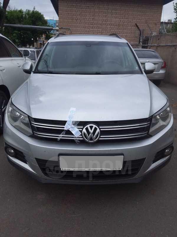 Volkswagen Tiguan, 2012 год, 490 000 руб.