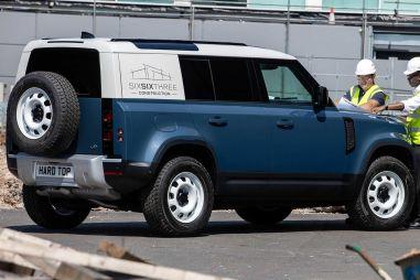 У нового Land Rover Defender появилась грузовая модификация