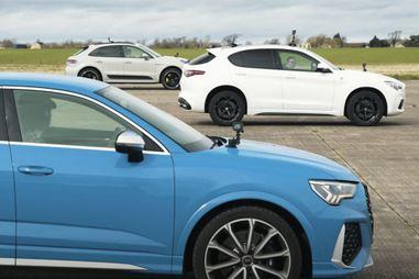 Автобаттл: Porsche Macan Turbo против Audi RS Q3 Sportback и Alfa Romeo Stelvio Quadrifoglio (ВИДЕО)