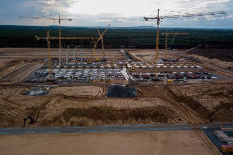 Производство автомобилей Tesla в Германии будет не таким масштабным, как ожидалось
