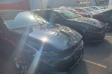Появились фотографии новых Kia K5/Optima для рынка РФ возле автосалона