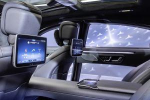 Mercedes-Benz показал футуристичный интерьер S-Class следующего поколения