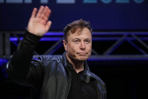 Маск: Tesla «очень близка» к созданию полного автопилота