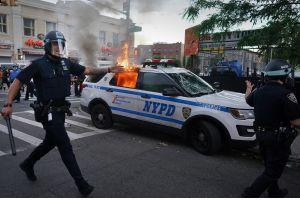 Полицейские Ford ассоциируются в США с насилием: их просят больше не выпускать