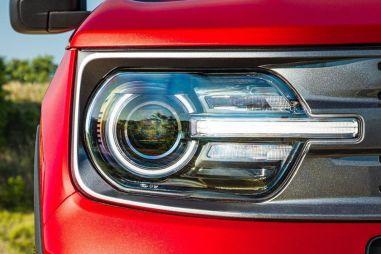 Долгожданный Ford Bronco: новые утечки и первые официальные фото
