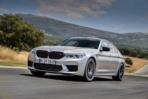Дилеру BMW придется заплатить более 11 млн рублей за неработающую подсветку динамиков