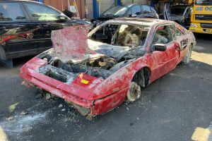 Голландская полиция нашла украденную почти 30 лет назад Ferrari на дне канала (ФОТО)