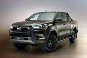Toyota скоро привезет обновленные Hilux и Fortuner в Россию: получены ОТТС