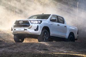 Toyota объявила российские цены на обновленные Hilux и Fortuner