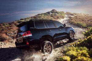 Toyota представила Land Cruiser Heritage Edition