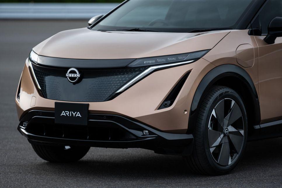 Новый логотип Nissan и кроссовер Ariya