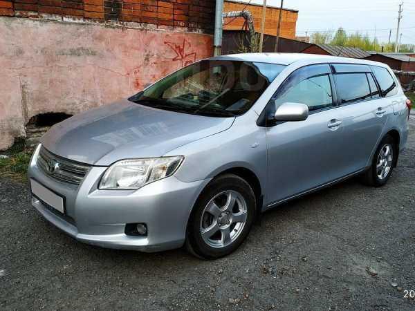 Toyota Corolla Fielder, 2010 год, 524 000 руб.