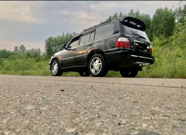Toyota Land Cruiser Cygnus, 2001 год, 1 060 000 руб.