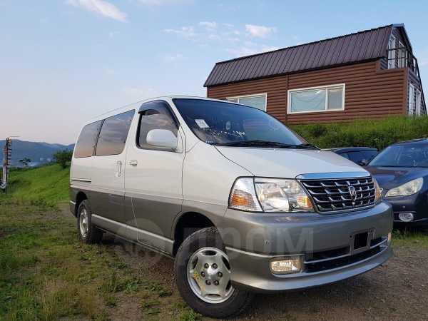 Toyota Grand Hiace, 2002 год, 349 000 руб.