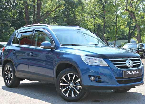 Volkswagen Tiguan, 2010 год, 719 000 руб.