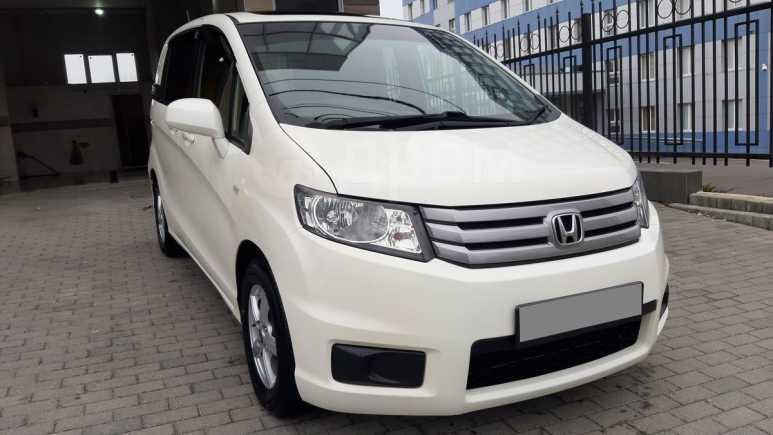 Honda Freed Spike, 2010 год, 695 000 руб.