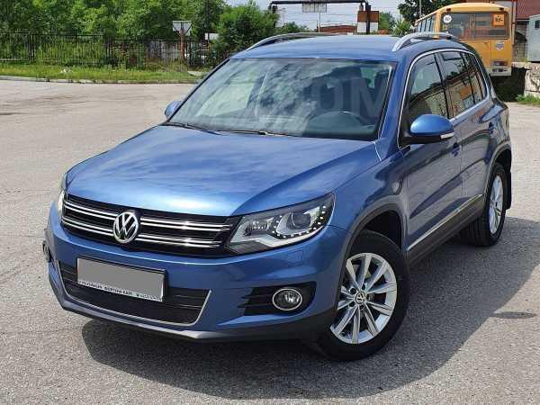 Volkswagen Tiguan, 2014 год, 990 000 руб.