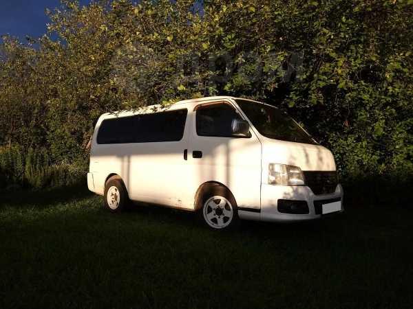 Nissan Caravan, 2002 год, 299 000 руб.