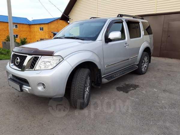 Nissan Pathfinder, 2010 год, 925 000 руб.