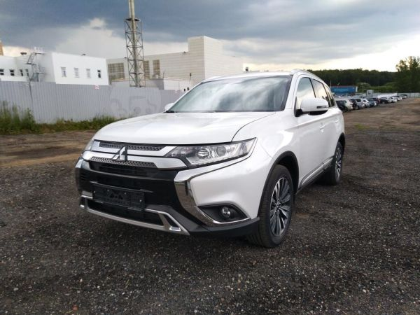 Mitsubishi Outlander, 2020 год, 1 840 500 руб.