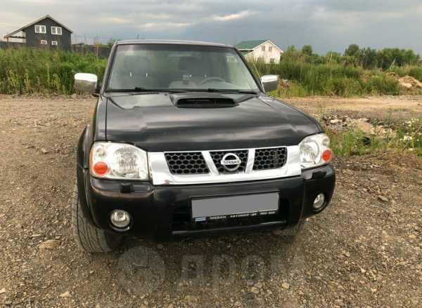 Nissan NP300, 2011 год, 630 000 руб.