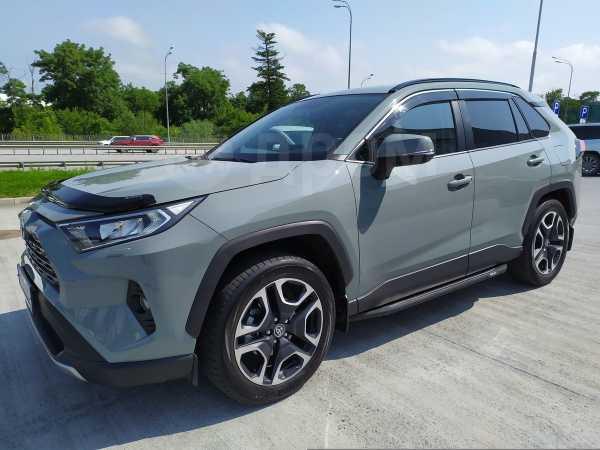 Toyota RAV4, 2019 год, 2 350 000 руб.