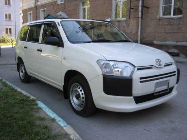 Toyota Probox, 2015 год, 595 000 руб.