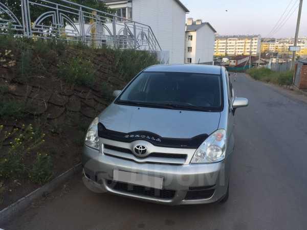 Toyota Corolla Verso, 2006 год, 430 000 руб.