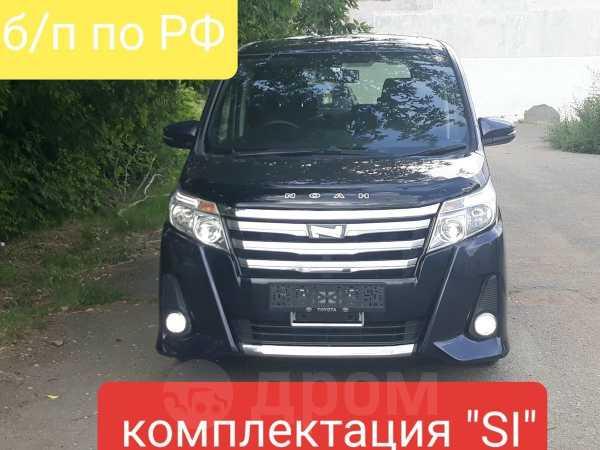 Toyota Noah, 2015 год, 1 250 000 руб.