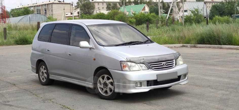 Toyota Gaia, 2000 год, 385 000 руб.