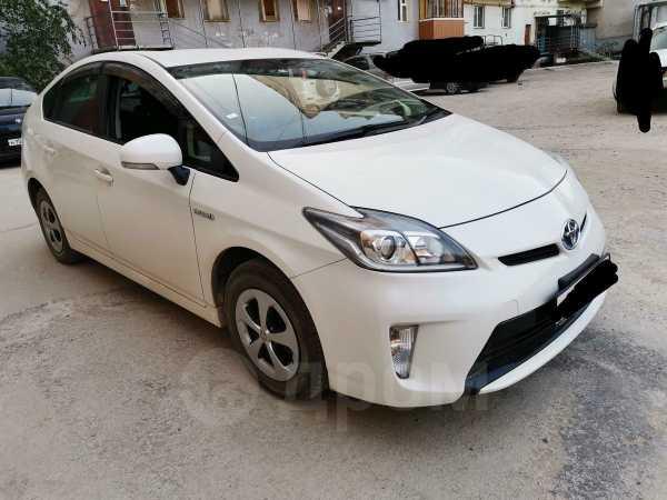 Toyota Prius, 2012 год, 825 000 руб.