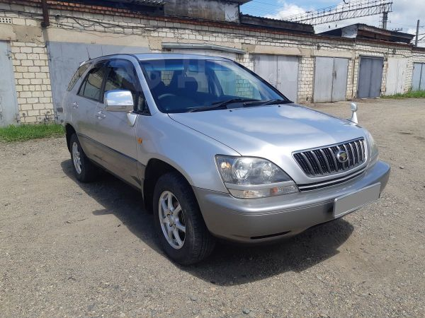 Toyota Harrier, 2002 год, 629 000 руб.