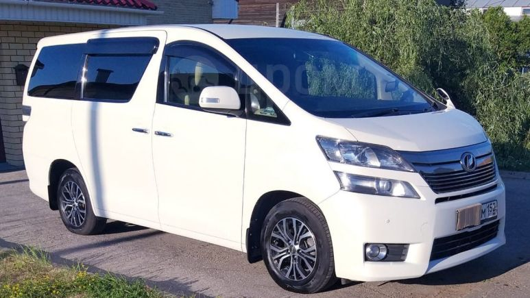 Toyota Vellfire, 2014 год, 1 300 000 руб.