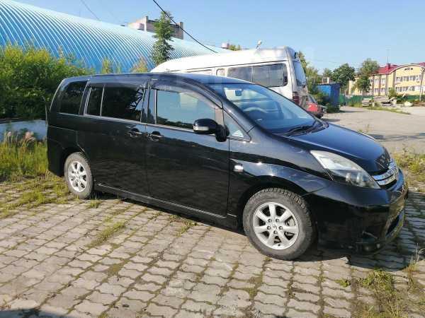 Toyota Isis, 2012 год, 720 000 руб.