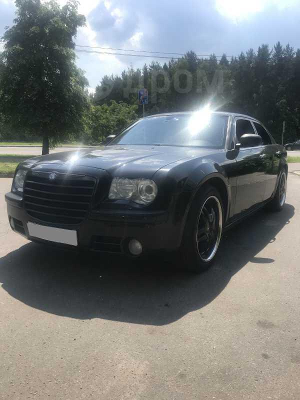 Chrysler 300C, 2005 год, 750 000 руб.